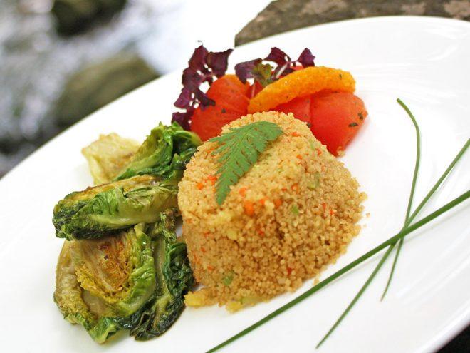 Ayurveda Rezept: Gebratene Salatherzen an Tomaten-Orangensalat und Cousous | Ayurveda Parkschlösschen Health Blog