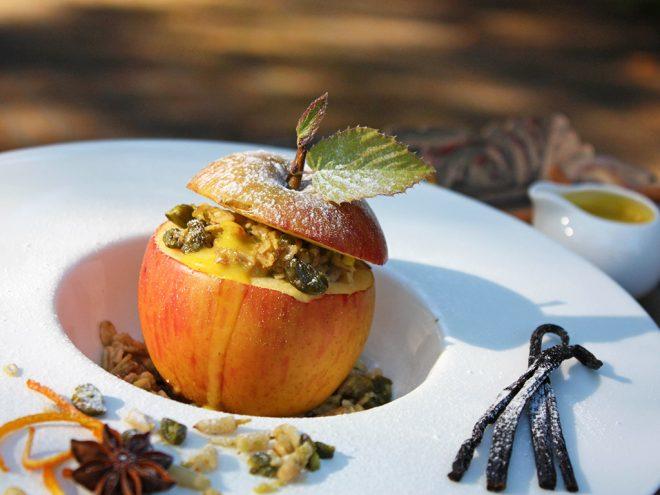 Ayurveda Rezept: Gefüllter Bratapfel mit Vanillesauce | Ayurveda Parkschlösschen Health Blog
