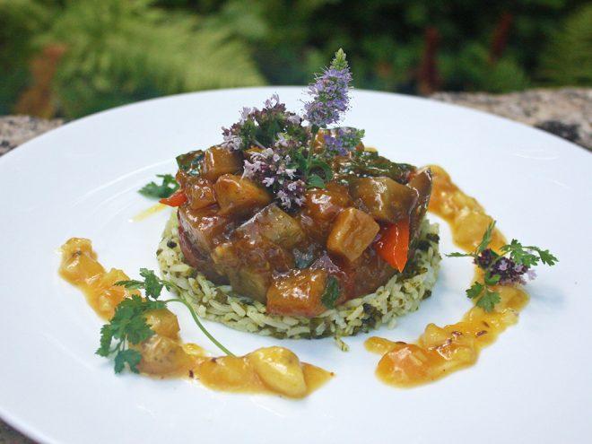 Ayurveda Rezept: Auberginenragout auf Pistazienreis und Mango-Chutney | Ayurveda Parkschlösschen Health Blog