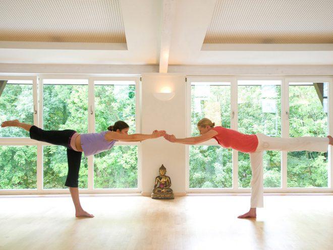 Yoga bei Parkinson | Raja Ray | Ayurveda Parkschlösschen Health Blog