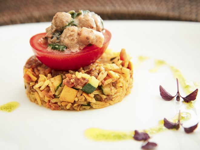 Gefüllte Tomaten auf orientalischem Bratreis | Ayurveda Rezept im Ayurveda Parkschlösschen Health Blog